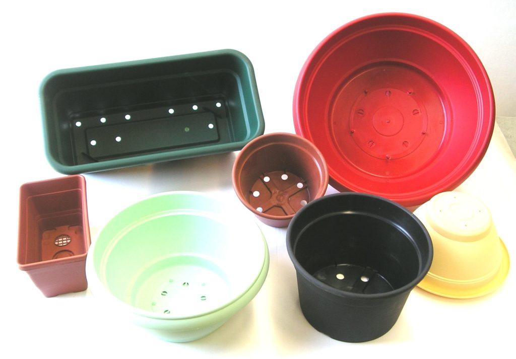 Casalinghi In Plastica Produzione.Produzione Contenitori In Plastica Per Casalinghi Corsinplast Srl